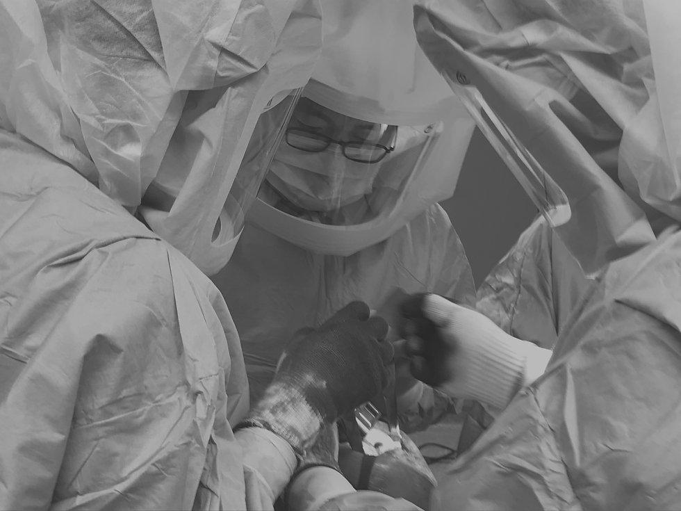 人工関節手術.jpg