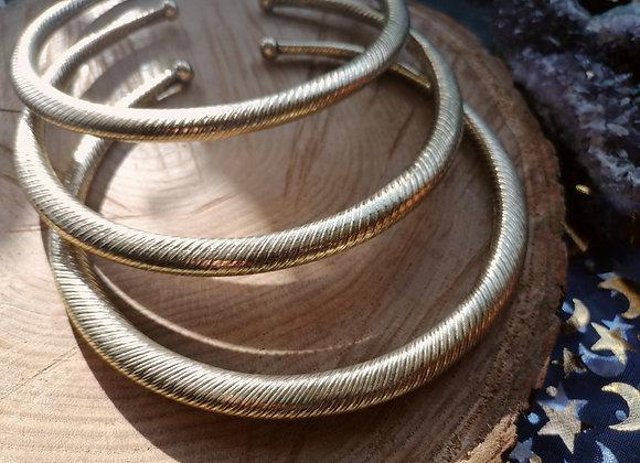 Collier torque simple doré vrillé