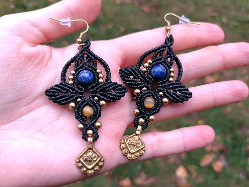 Boucles d'oreilles noir laiton doré lapis lazuli