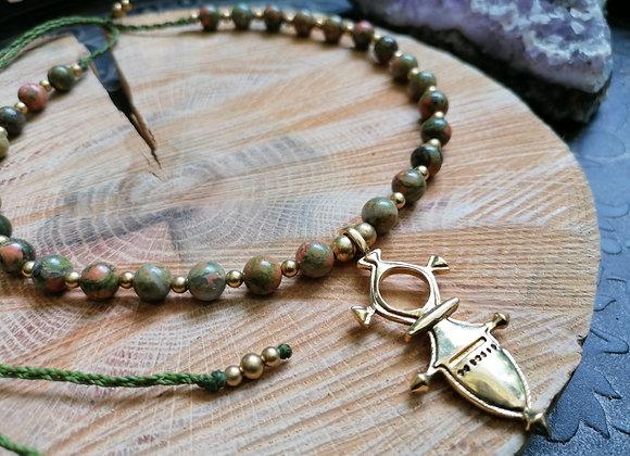 Collier unakite et croix touareg dorée