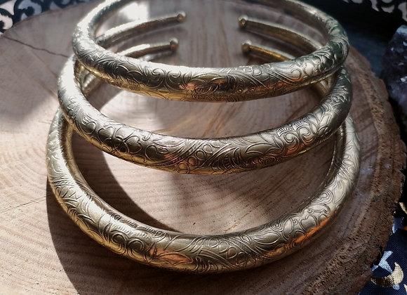 Gros Collier torque simple doré gravé ornements