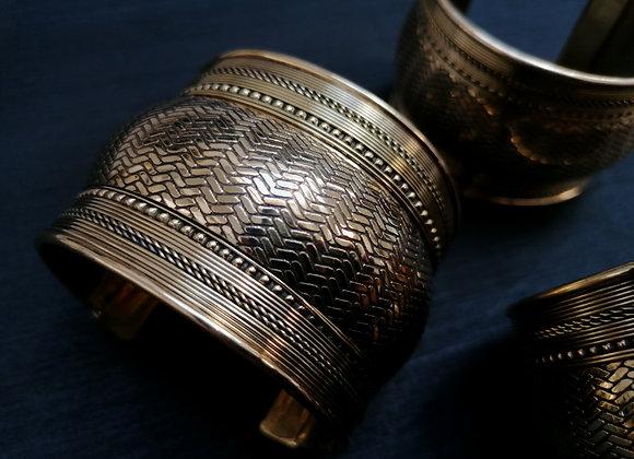 Bracelet manchette laiton doré motifs