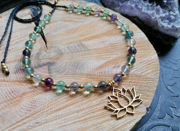 Collier fluorite pendentif lotus doré