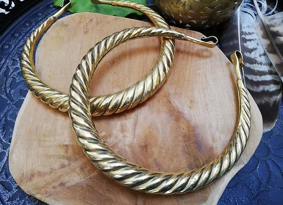 Collier spirale torque creux laiton doré
