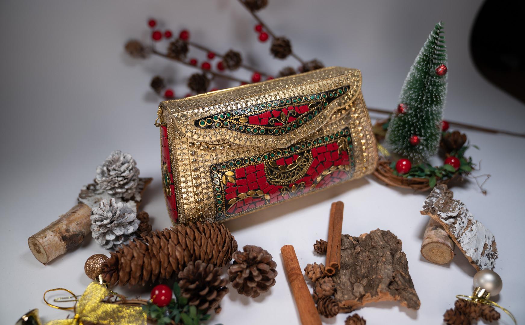 Christmas Essential Noor