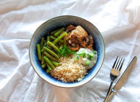 Romige kip met rijst, sperziebonen en tzatziki