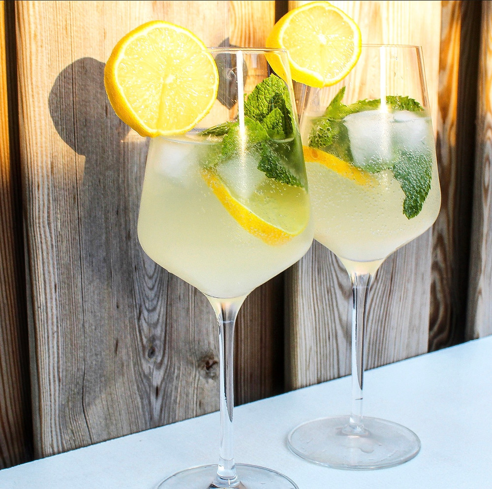 Lemon Spritz cocktail van prosecco en limoncello