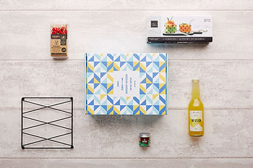 Recevez tous les mois du bonheur danois dans une box