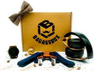 """Avec la Badass Box, révélez l'homme moderne qui est en vous, en recevantchaque mois""""Le meilleur pour l'homme"""". 2 à 4 accessoires par box, pour + de 70% d'économie !Des accessoires irrésistiblement élégants et terriblement insolents."""