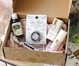 La première box beauté & bien-être. 100% bio et full size.  Entre plaisir et découverte, recevez chaque mois 4 à 6 produits BIO indispensables, au format vente, sélectionnés pour leur efficacité parmi les meilleures marques Françaises !