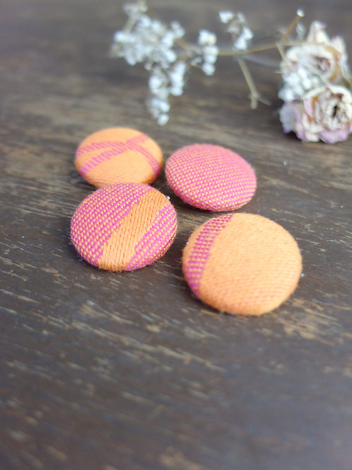 Paven Cosmo Buttons