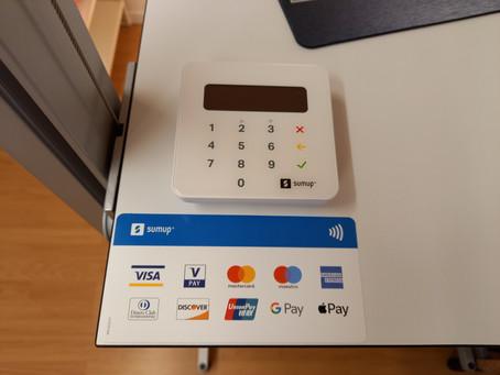 Zahlen per EC- oder Kreditkarte möglich