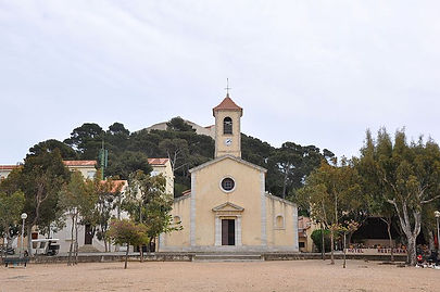 Eglise_Porquerolles,_Hyères_-_panoramio.
