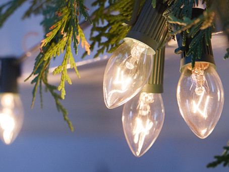 Hanging Christmas lights: A Roofers Guide to Success