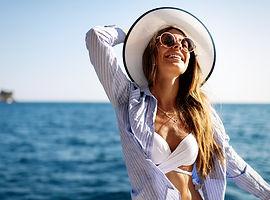 young-sexy-woman-in-bikini-enjoying-summ