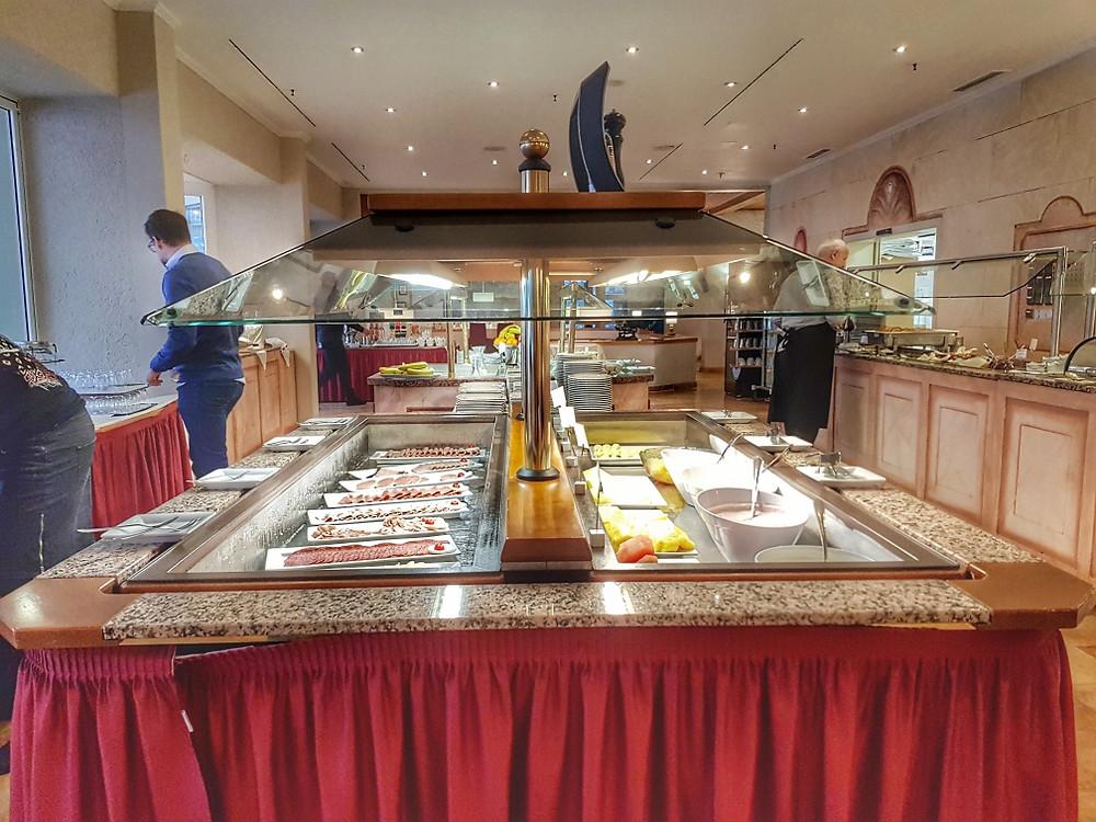 Riessersee hotel breakfast buffet