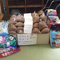 熊本私立秋津小学校体育館 にて支援物資設置しました