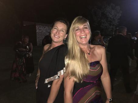 Andrea y Marifé !! Radiantes en los festejos  despidiendo un año con Lumière!!