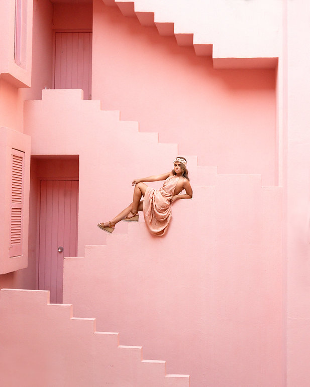 muralla roja alicante mujer moda