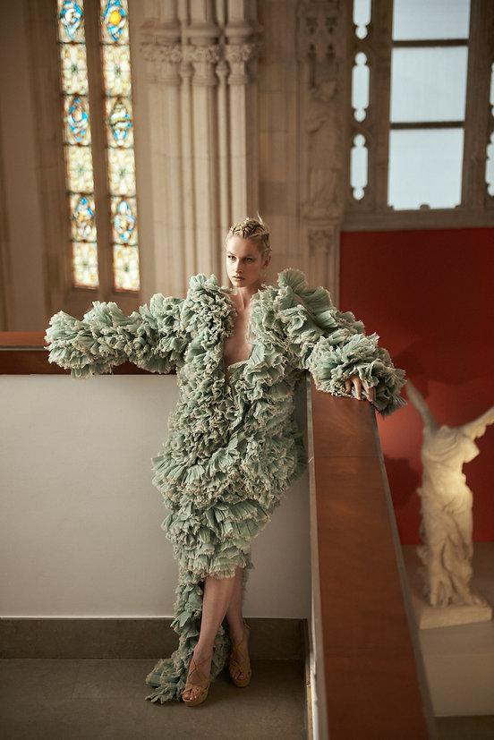 vestido diseño moda mujer museo