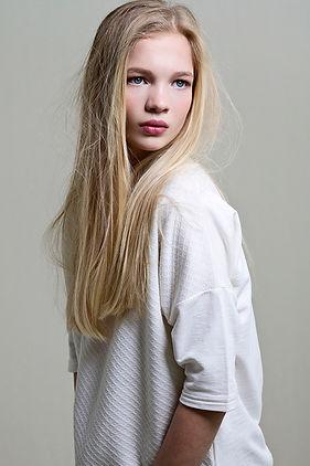 Caitlin-3.jpg