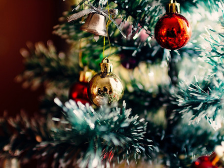 Por que enfeitamos árvores no Natal?