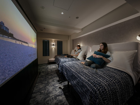 リクライニング機構のベッド&100インチ高音質プロジェクターで映画、ライブやスポーツ視聴に特化したコンセプトルーム「シアターツイン」が登場(21.07.15)