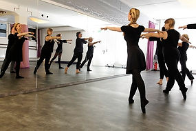 Ballett Erw 2 klein.jpg