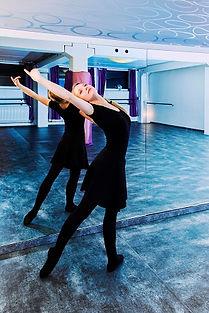 Ballett E&S klein.jpg