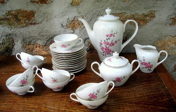 VENDU - Lot service à café/thé - Porcelaine
