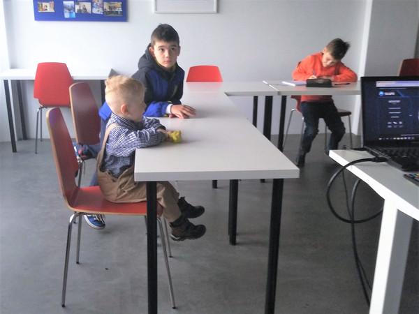 В средней группе маленький гость
