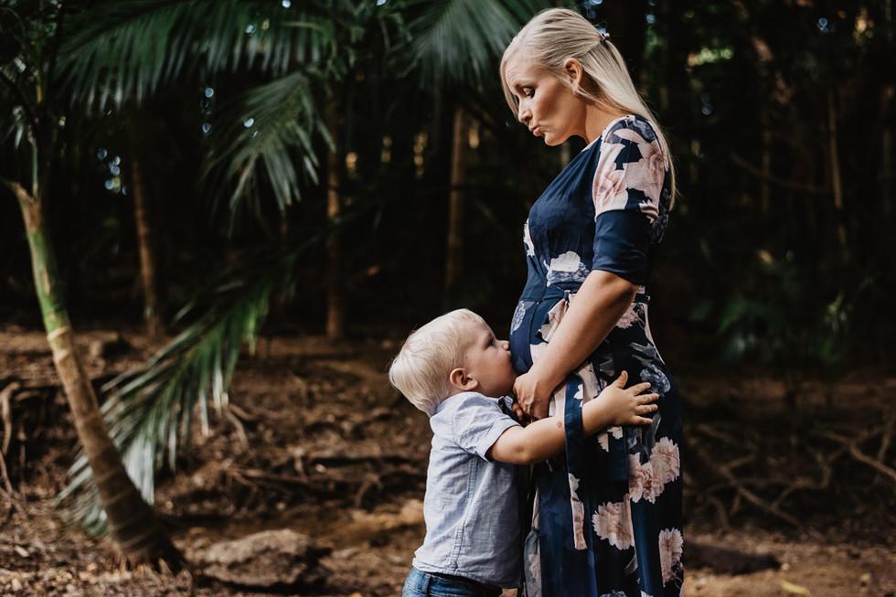 Maternity Photography Cairns (1010).jpg