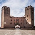 Castello di Fossano.jpg