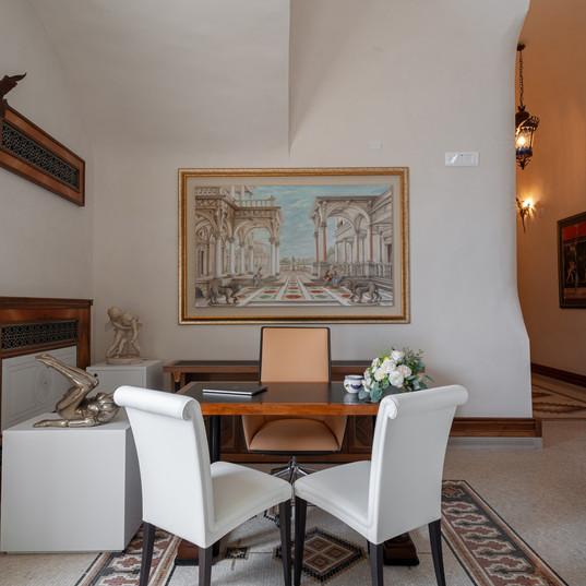 Villa Rondinaia (33) Welcome desk.jpg