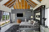 #6 Guesthouse Platinum Suite.jpg