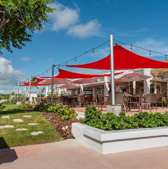 Restaurant at Marinaville (2).jpg