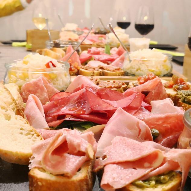 Apericena at wine bar La Nicchia -.jpg