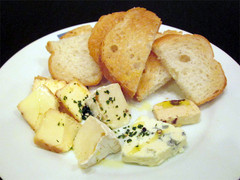 4種のチーズ盛り合わせ.jpg