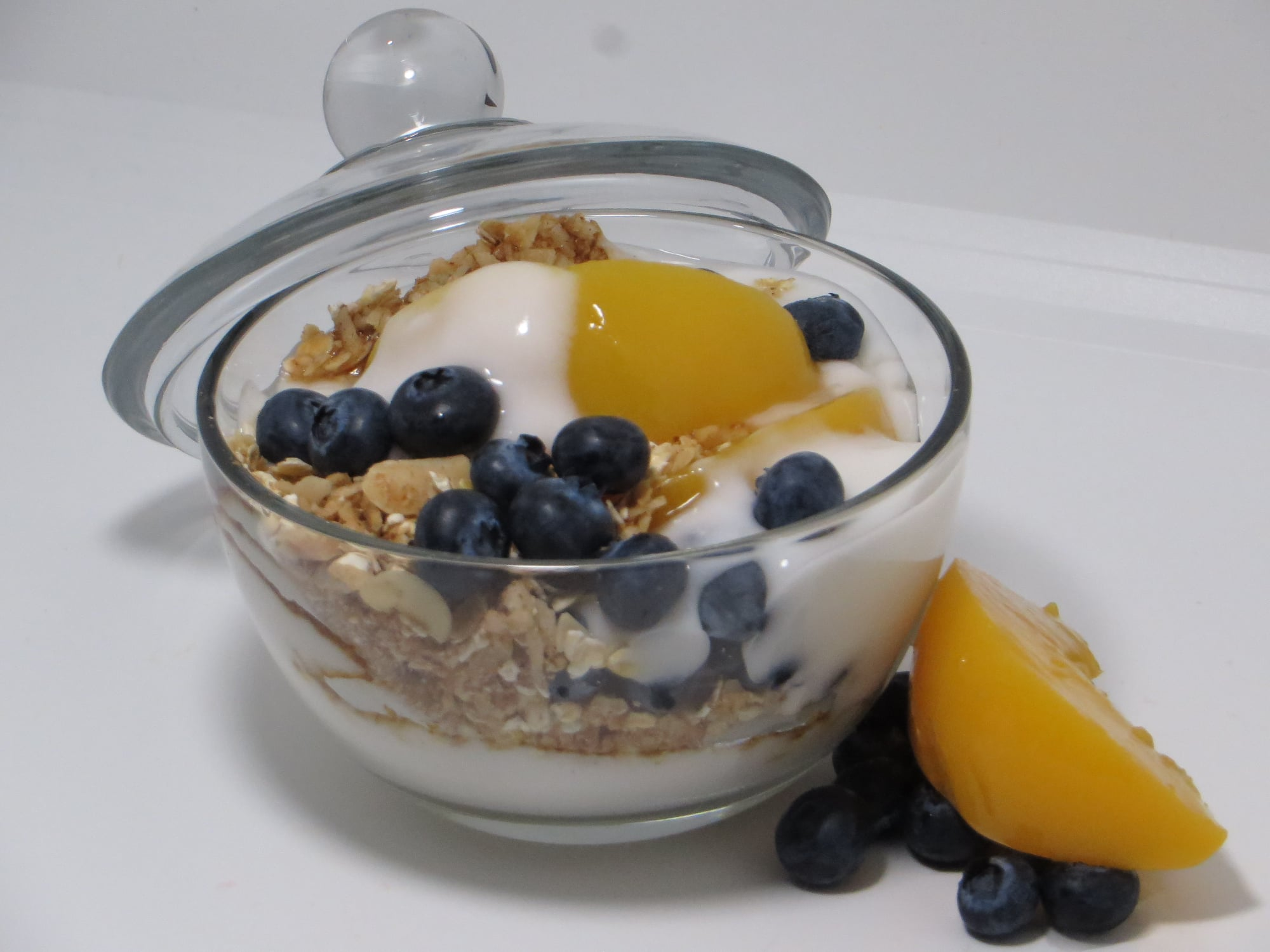 Blueberry-Peach Yogurt & Nutty Granola