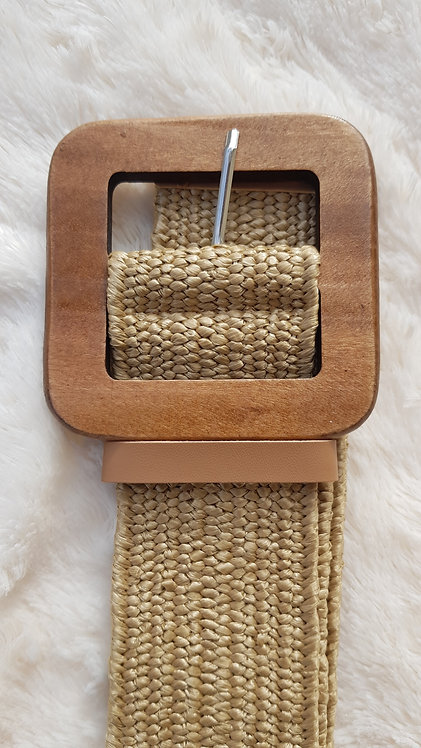 Stretchy Belt with Wood Buckle in Straw