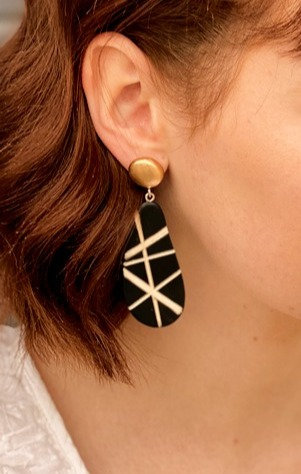 The Rae Rae Earring in Black and Gold