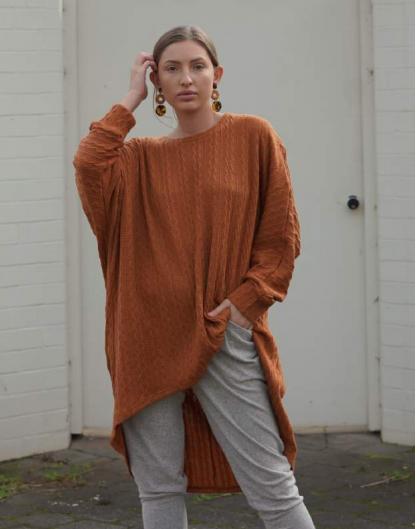 Woollen Top in Rust.