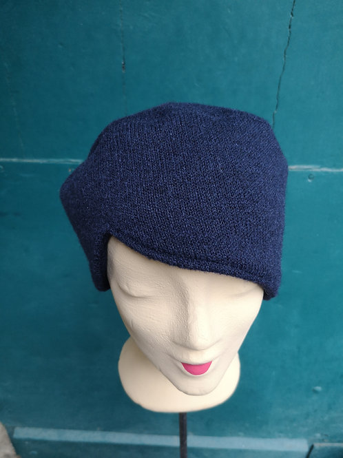 Mütze aus dunkelblauem Wollstoff, asymmetrisch