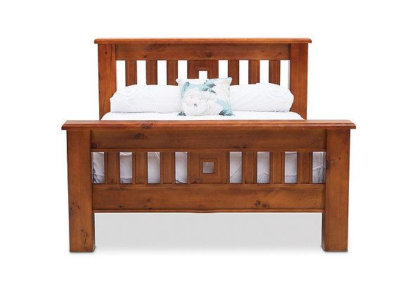 Settler Queen Bed