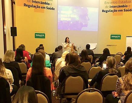 Diretora da LRMG palestrou no Encontro Estadual da Unimed Paraná