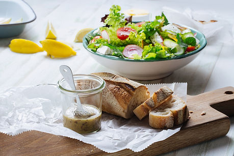Brot und Salat