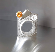 'Frozen Mobility' ring N2. Silver, citrine.