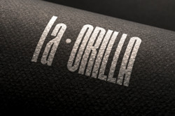 09-logo-mockup