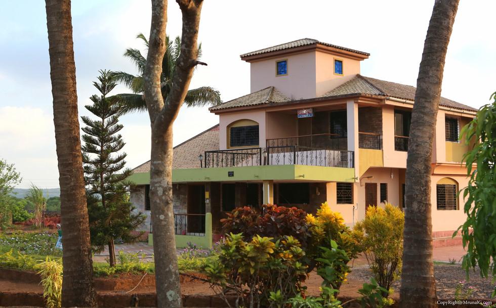 An ultra-modern big villa ...