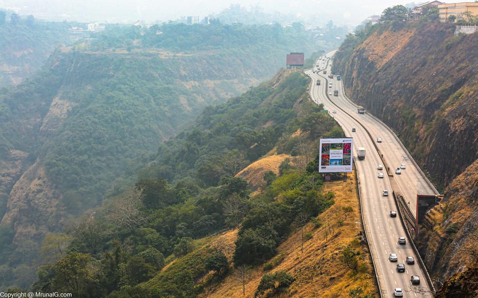 Mumbai Pune expressway at Khandala valley area